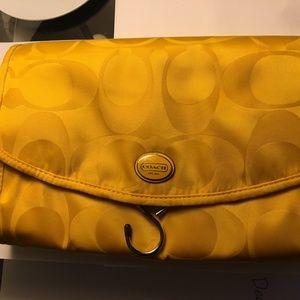 NWOT COACH Getaway Signature Nylon Cosmetic bag